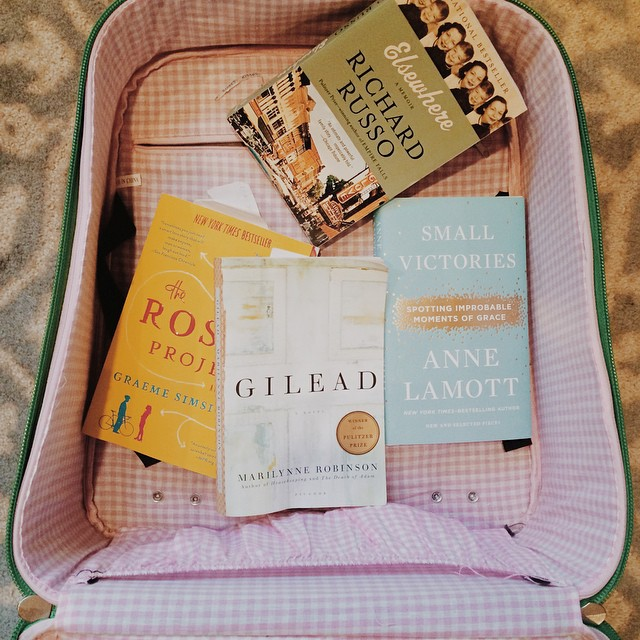 I know my bag would be lighter if I just used my iPad but #ilovebooks  #withpages